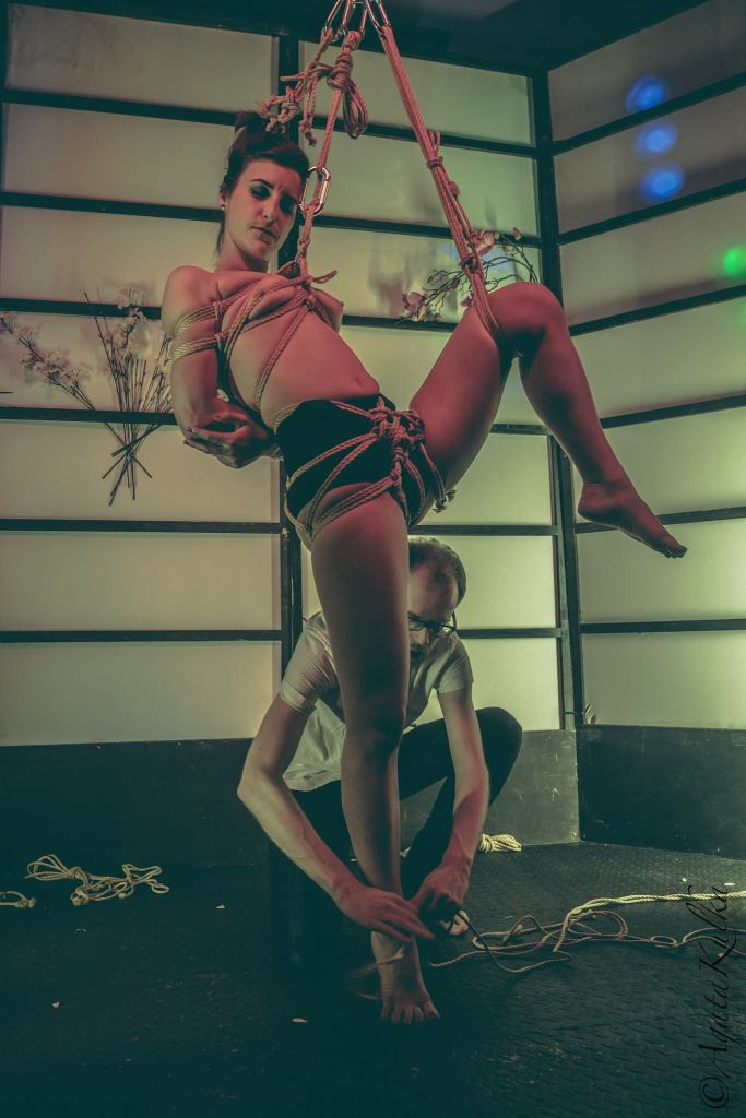 Rope: FredHatt // Model: Miss Bones // Photo: Agata Kulka